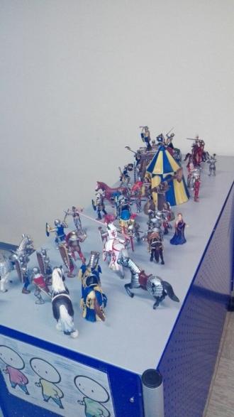 Ritterspiele im Gruppenraum
